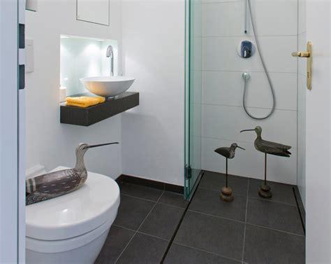 Geflieste Duschen Ohne Gefälle & Mit Großen Fliesen
