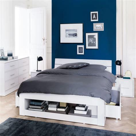 2 couleurs dans une chambre chambre bleu turquoise et beige