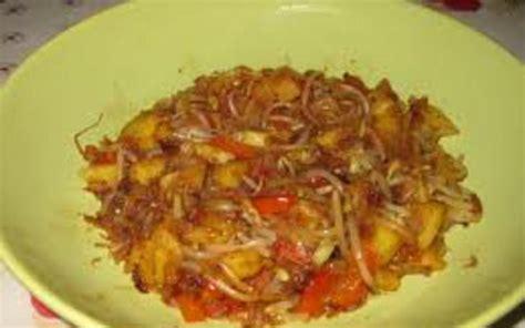 cuisiner des pousses de soja recette wok de pousses de soja ananas poivrons pas