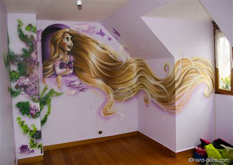 decoration chambre raiponce fresque raiponce à la bombe aérosol dans la chambre de