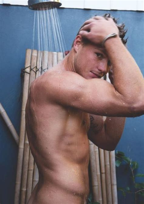 Guys In The Shower - jocks obliques