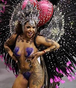 Sexy Brazilian women at Rio Carnival: Naked body paint ...