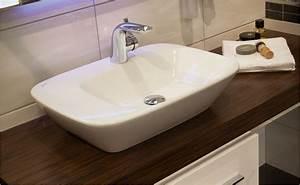 Waschbecken Arbeitsplatte Bad : ratgeber f r waschbecken von hornbach ~ Markanthonyermac.com Haus und Dekorationen