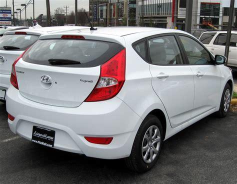 2012 Hyundai Accent Hatchback by File 2012 Hyundai Accent Gs Hatchback 12 14 2011 Jpg