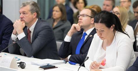 Saeimas komisija atbalsta vienlīdzīgu veselības aprūpi ...