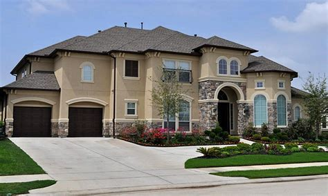Stucco Colors, Dark Stucco And Stone Houses Stucco Colors