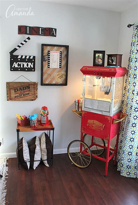 decorate  family room   theater themed decor