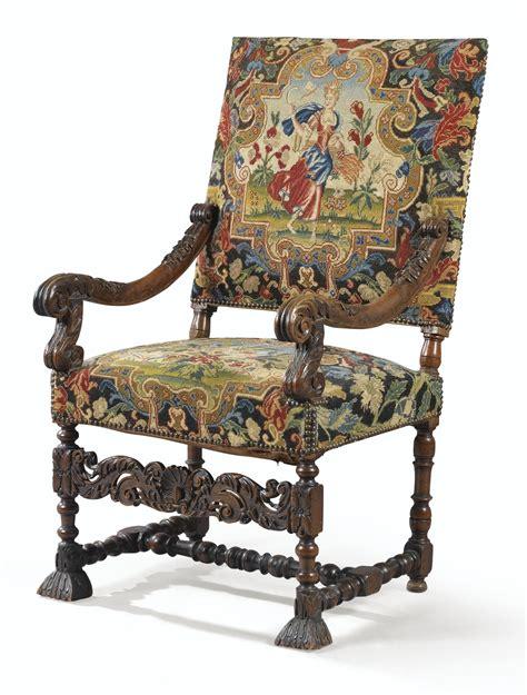 chaise louis xiv fauteuil à dossier plat en noyer sculpté d 39 époque louis