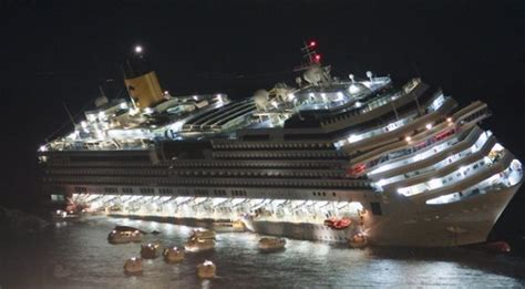 cruise ship sinking now costa concordia how a ship the size of titanic is