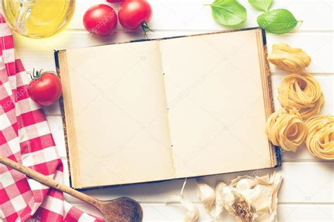 livre de cuisine vierge livre de recette vierge et ingrédients frais photo 53157655