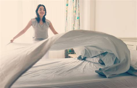 """Here's Why Scientists Are Saying """"don't Make Your Bed"""