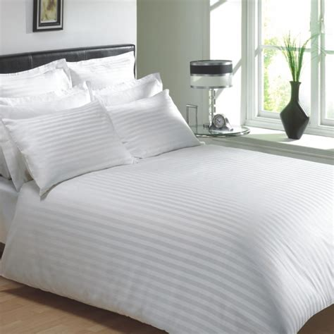 Bed Linens Uk by White Colour 250 Thread Count Cotton Luxury Hotel Stripe