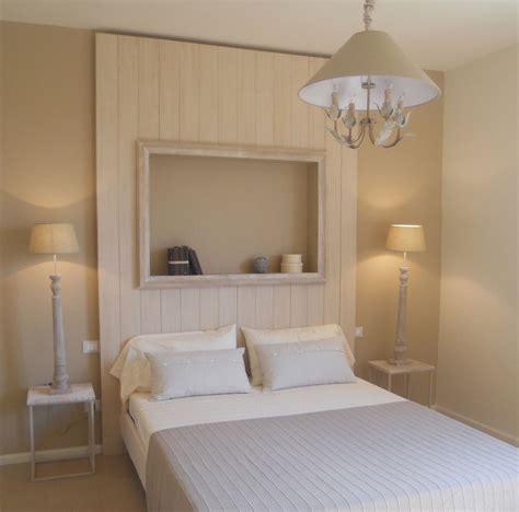 Parete Testata Letto In Pietra Cool In Legno Moderno Interior Design Idea Pietra