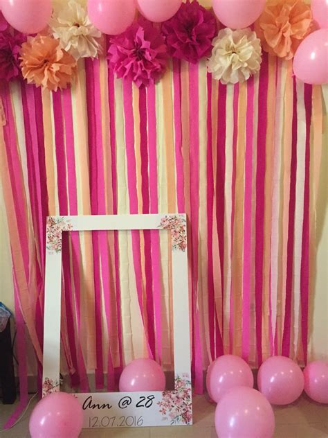 Diy Backdrop Decorations by Diy Photo Backdrop For My Friend S 28th Birthday