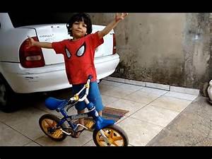 Ensinando Homem Aranha a Andar de Bicicleta - YouTube