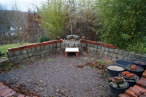 Was Kann Im Garten Machen by Mauer Aus Alten Backsteinen Gartenmauer Gestaltung Beton