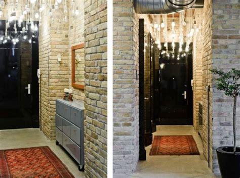 batu bata dekoratif  dinding  koridor