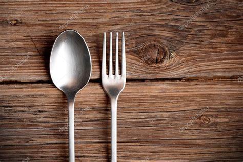 Besteck Auf Dem Tisch by Metall Besteck Auf Dem Tisch Stockfoto 169 Al1962 86343668