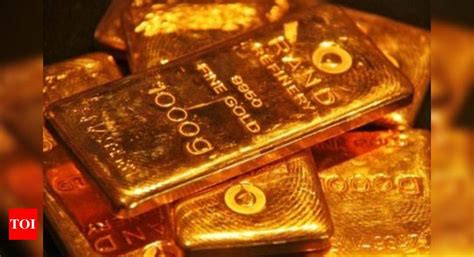 guddu prajapati shop owner loses  lakh  fake gold