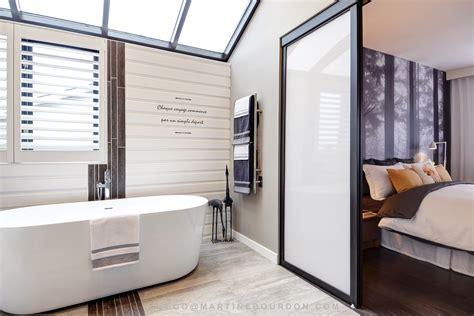 chambre des maitres moderne salle de bain rénovée fenêtre rehausséemartine bourdon