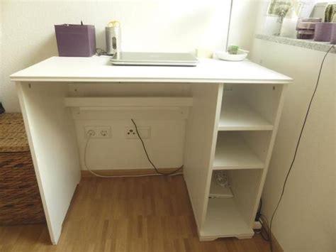 Schreibtisch (weiß) Ikea BorgsjÖ In Sehr Gutem Zustand In Stuttgart