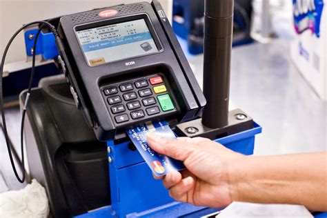 The minimum credit limit for the credit card account is $300, and you must deposit and maintain if you do not pay your credit card account balance or you or we decide to close your credit card. Chip Cards Will Require Users to Dip Rather Than Swipe - The New York Times