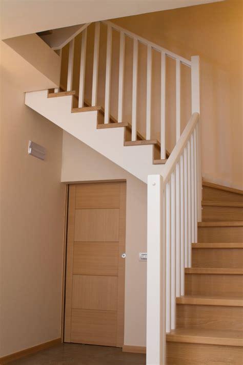 ringhiera legno ringhiere in legno per scale interne spazio scale