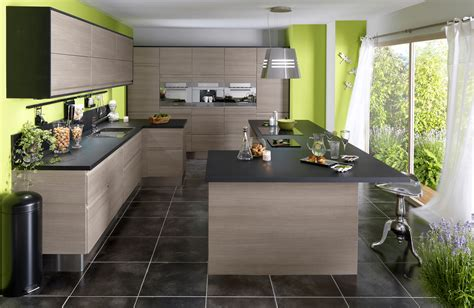 exemple de cuisine repeinte cuisine en bois un matériau plusieurs styles