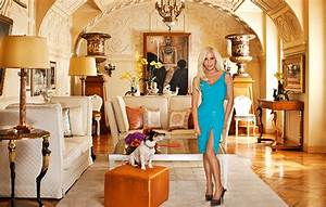 Celebrity Sneak Peak: 7 Stunning Living Rooms Owned by the