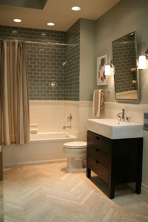 Subway Tile Bathroom Colors by This Idea But With The Grey Subway Tile And Different