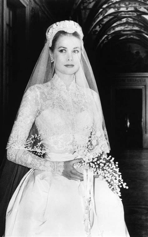 grace kellys wedding dress   impeccable