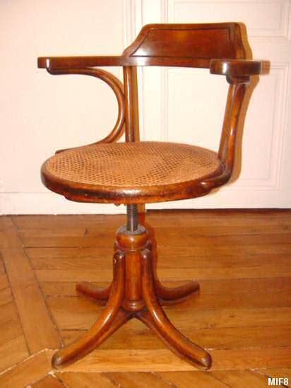 fauteuil de bureau en bois pivotant fauteuil de bureau bois tous les objets de décoration
