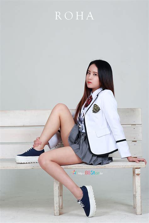 韩国女模特 身着制服 韩国美女 性感美女人像poco摄影bbstar