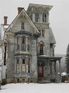 Die besten 25+ Is my house haunted Ideen auf Pinterest Miniaturhäuser, großes Puppenhaus und