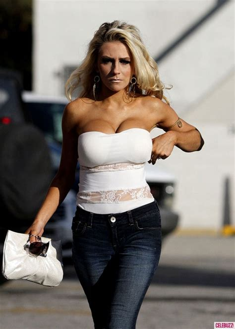 Courtney Stodden In White Tank Top And Jeans HawtCelebs