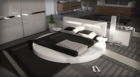 palazzo platform bed in leatherette white
