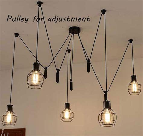 araign馥 dans la chambre suspension style industriel