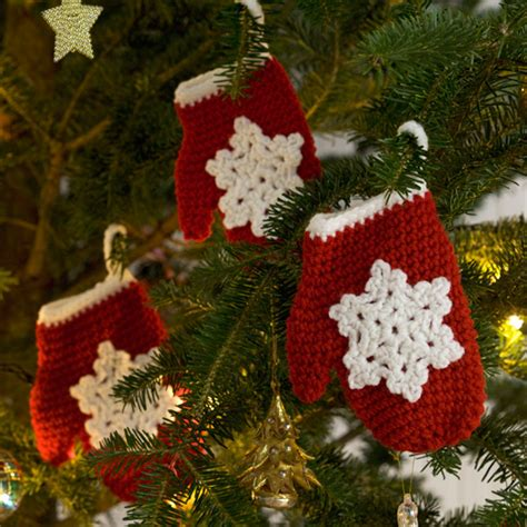 snowflake mitten holiday ornament crochet pattern  red