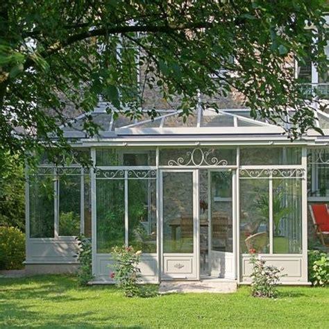 couleur cuisine blanche veranda comparatif matériaux veranda bois acier pvc et alu