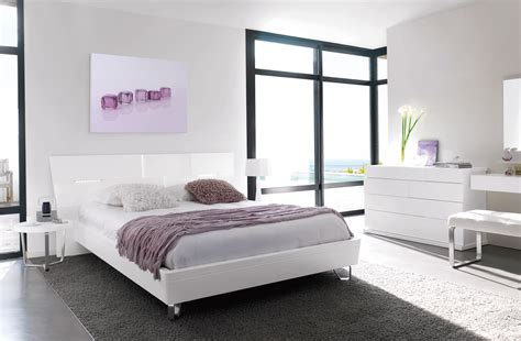 decoration chambre blanche ambiance déco chambre blanche et grise gautier alisa