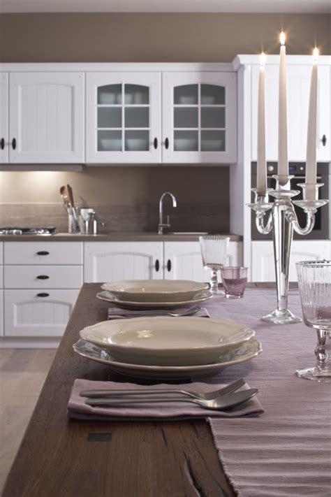Cucine Moderne Bianche Laccate by Cucine Classiche Laccate Di Colore Bianco Arrex Le Cucine
