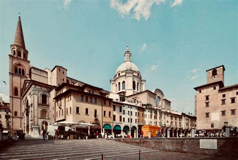 Sacri Vasi Mantova by I Sacri Vasi Di Mantova La Ricerca Santo Graal A Mantova