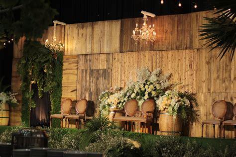 pelaminan indoor rustic wedding surabaya indonesia