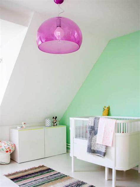 chambre bebe pastel une chambre de bébé sur fond de vert pastel