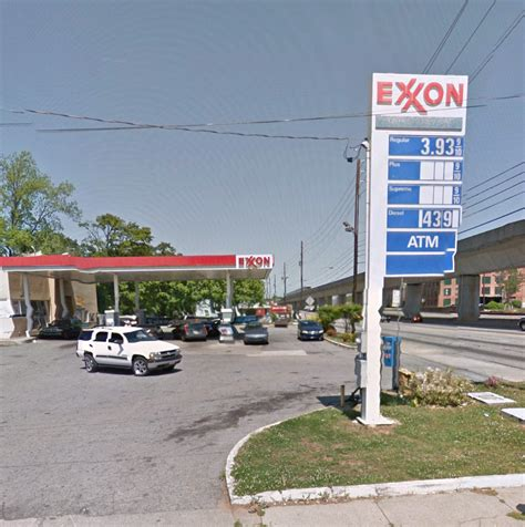 exxon food mart closed gas stations  lee st sw