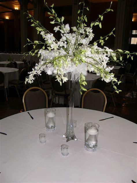 Sprei Eiffel Tower eiffel tower flower arrangements wedding spray of