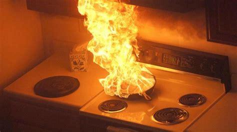 feu de cuisine comment éteindre un feu de cuisine ou de friteuse un