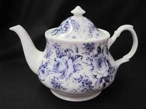 blue chintz teapot by roy kirkham the teapot shoppe inc