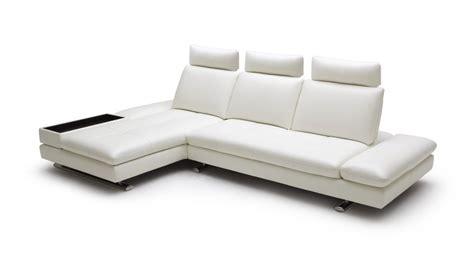 canape angle meridienne cuir canape d 39 angle en cuir contemporain minho mobilier moss