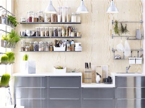 idee etagere cuisine cuisine avec etageres condiments ikea idées pour la